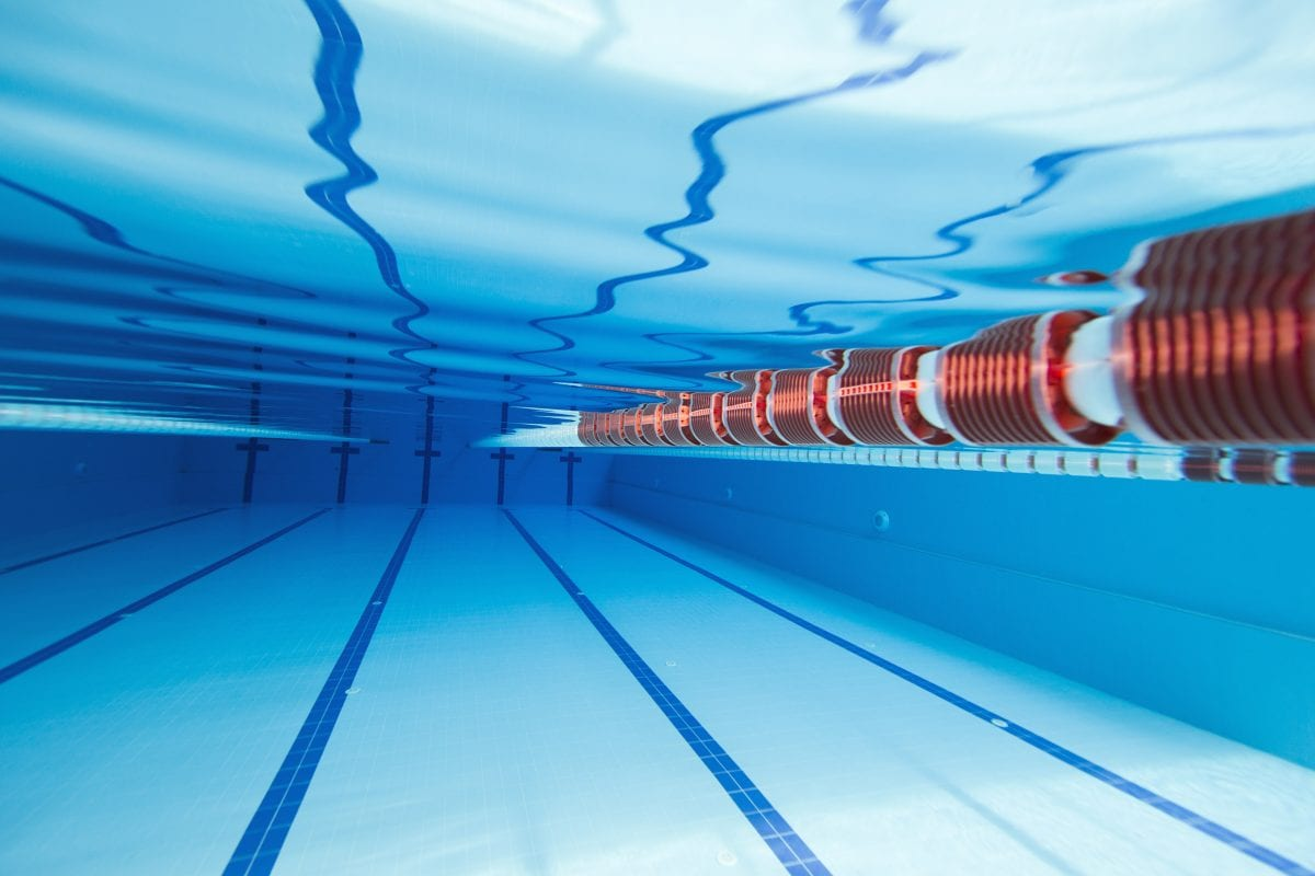 A 25m swimming pool with red and white lane divider